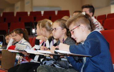 Jak zarządzać wiedzą i czasem? Kolejne zajęcia dla najmłodszych studentów!
