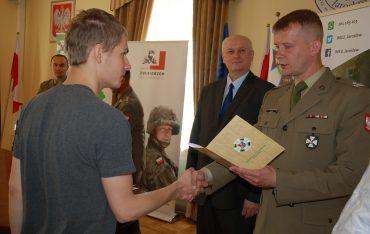 """Uczestnicy """"Legii Akademickiej"""" jadą na ćwiczenia praktyczne"""