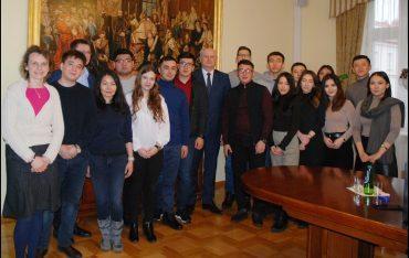 Wizyta studentów z Kazachskiego Uniwersytetu Państwowego im. Al-Farabi